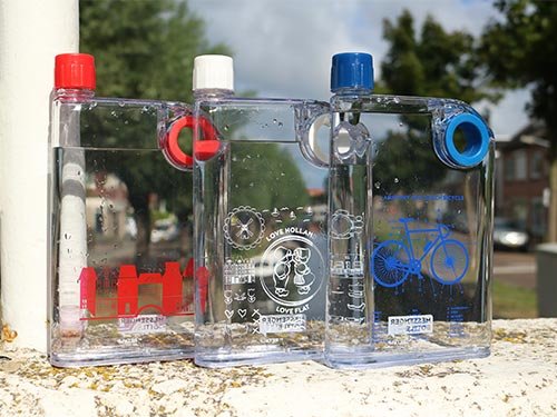 Platte herbruikbare waterfles give-away
